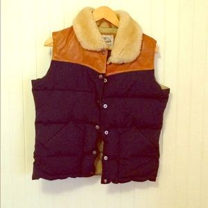 Penfield Trailwear shearling collared down vest